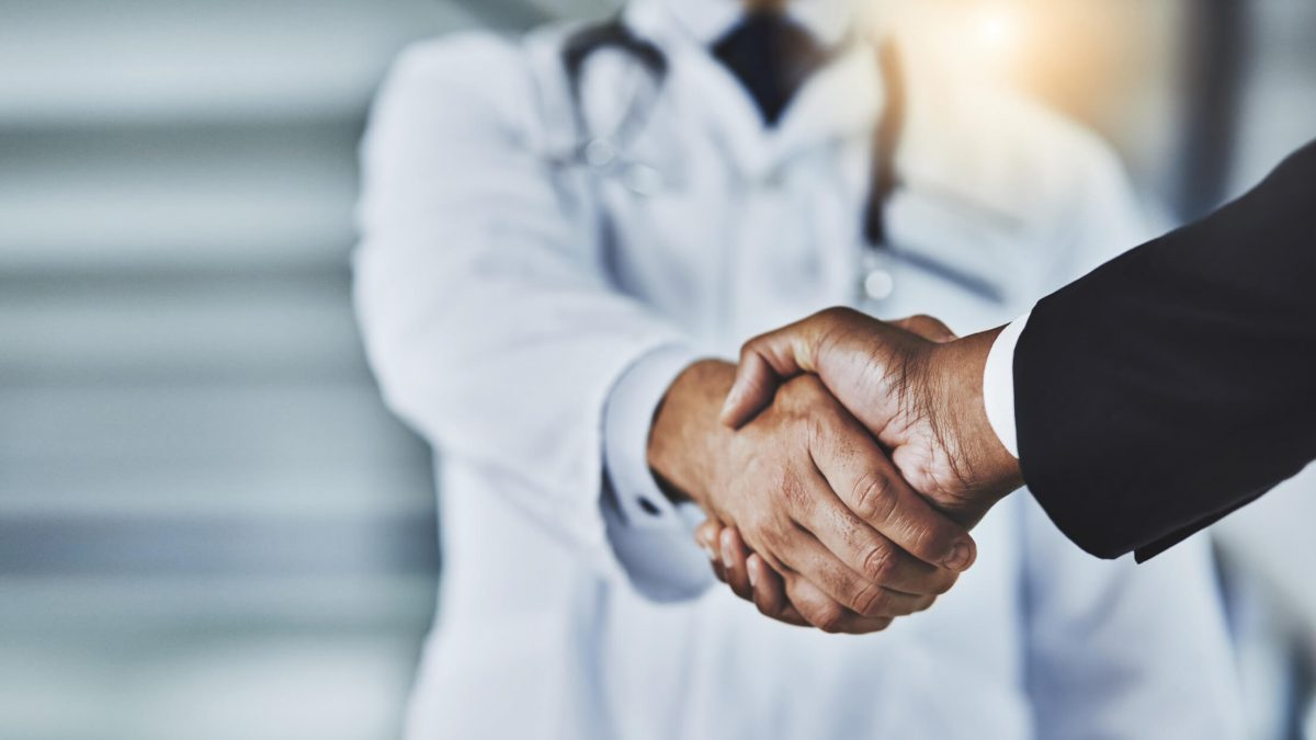 Afinal, qual a relação entre operadoras de saúde, hospitais e pacientes?